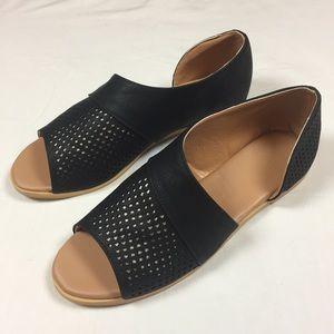 Shoes - New Side Cutout Sandals